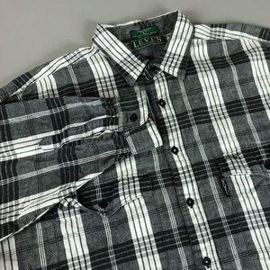 VTG Levi's Long Sleeve Button Down Flannel Shirt